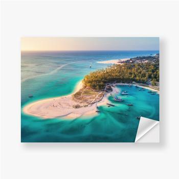 Aufkleber Luftaufnahme der Fischerboote an der tropischen Seeküste mit Sandstrand bei Sonnenuntergang. Sommerferien am Indischen Ozean, Za