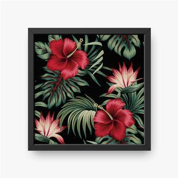 Gerahmte Leinwandbilder Tropischer Weinlese-roter Hibiskus und Strelitzia-Blumengrünpalmenblätter nahtloser Musterschwarzer Hintergrund. Exotischer Dsch