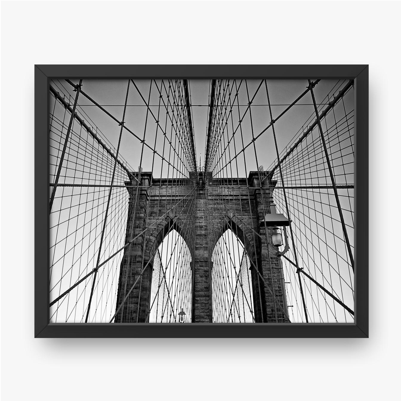 Most Brookliński w czerni i bieli