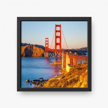 Most Golden Gate łączy dwa skaliste nabrzeża