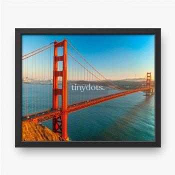 Golden Gate, czerwony most na tle błękitnego nieba, San Francisco, Kalifornia, USA