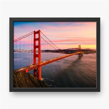Most Golden Gate o zachodzie słońca w San Francisco.