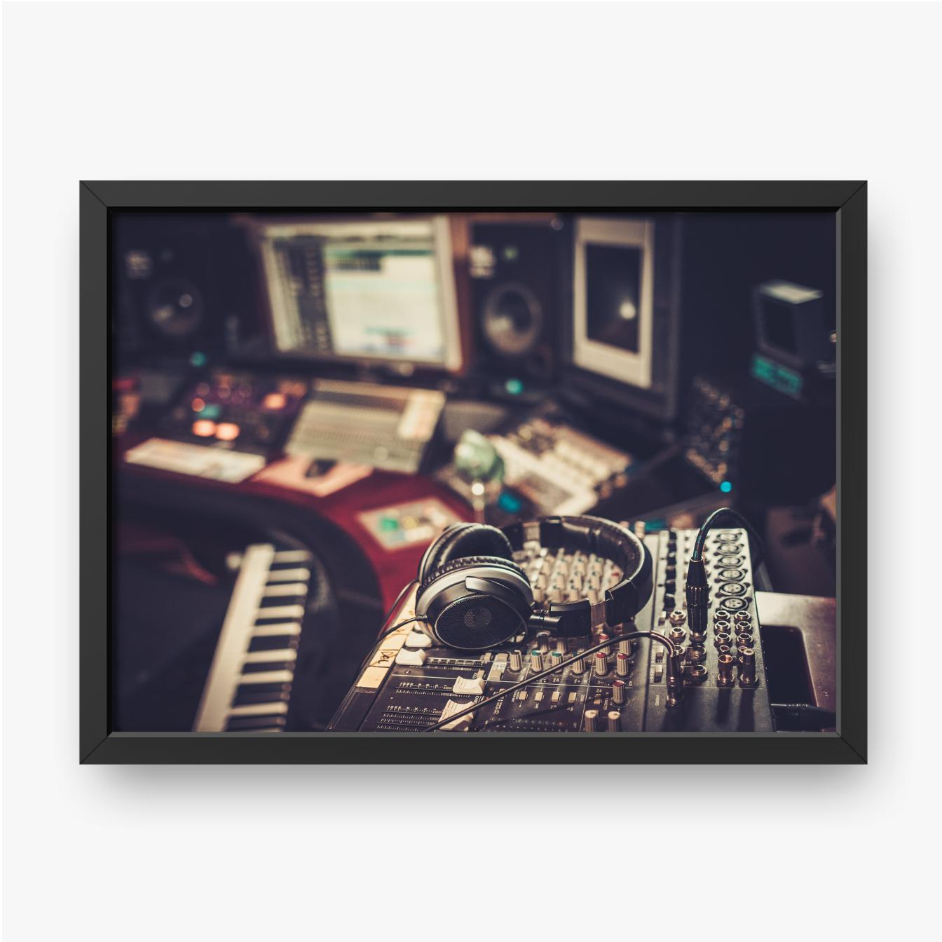 Kontrollpult im Aufnahmestudio