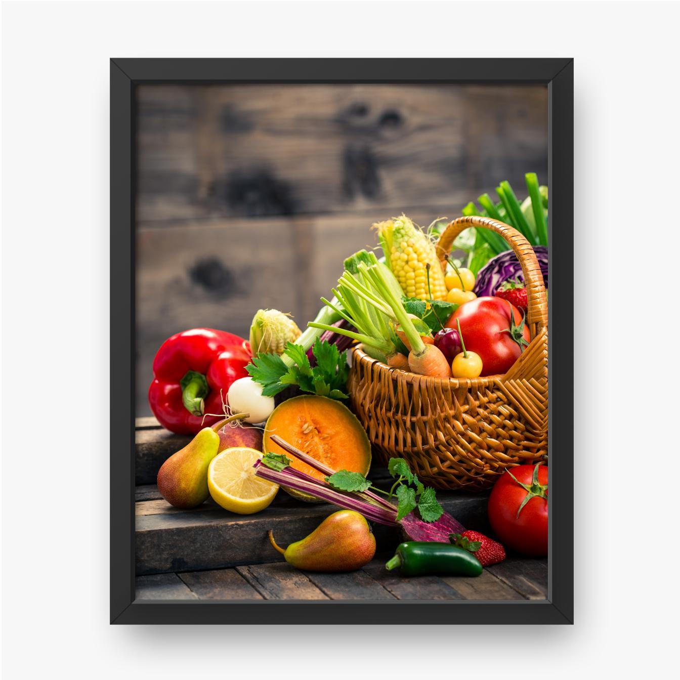 Frisches Obst und Gemüse im Korb