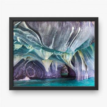 Naturkunst in Blau in den Marmorhöhlen in Chile, catedral de marmol